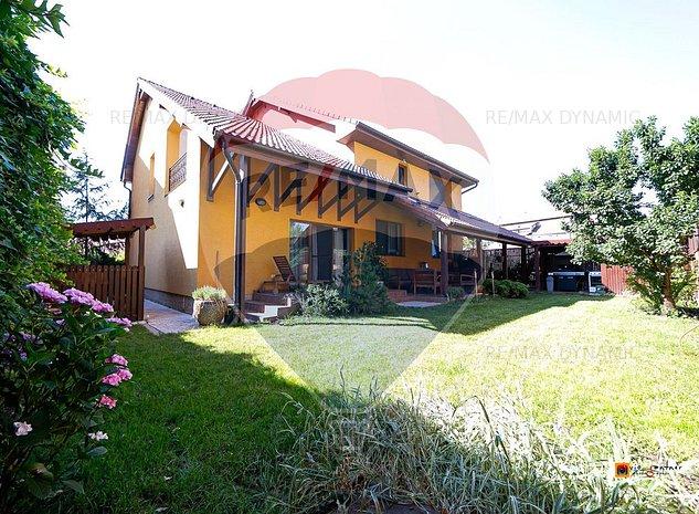 Vila superba in zona Aurel Vlaicu - imaginea 1