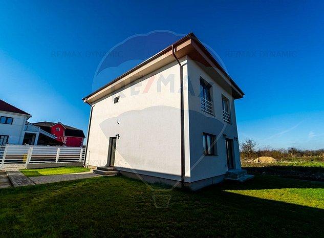 Casa / Vila cu 4 camere de vanzare in zona linistita din Gai - imaginea 1