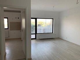 Apartament de vânzare 3 camere, în Piatra-Neamt, zona 1 Mai