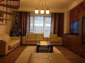 Penthouse de vânzare 9 camere, în Rosu