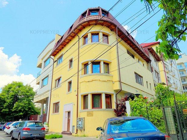 Vila interbelica deosebita in inima Bucurestiului - imaginea 1