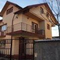 Casa de închiriat 6 camere, în Chiajna