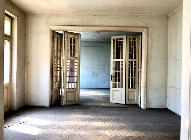 Apartament 5 camere in vila interbelica Cismigiu | Curte, 3 locuri de parcare - imaginea 1