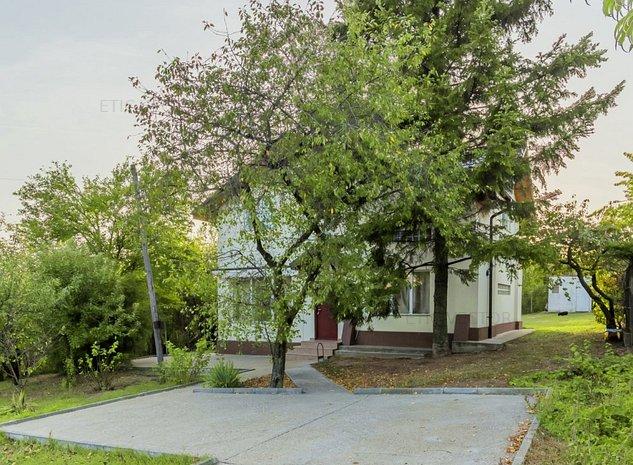 Acasa ca la pensiune! Casa primitoare, spatioasa, curte verde 1679 mp! - imaginea 1