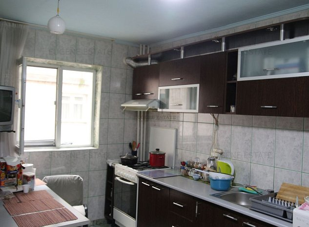 Apartament 3 camere, foarte spatios, Drumul Taberei - imaginea 1