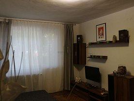 Apartament de vânzare 3 camere, în Bucureşti, zona Constructorilor