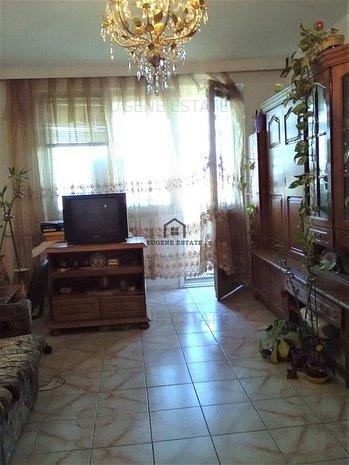 Apartament 3 camere decomandat zona-Luica - imaginea 1
