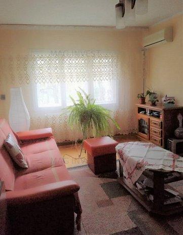 Apartament cu trei camere - Complex Siret, Micro 16 - imaginea 1