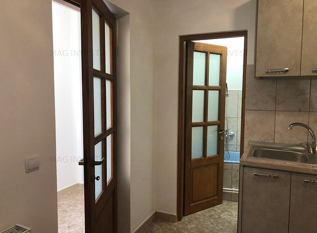 Apartament de vanzare in casa, zona Centrala - imaginea 1