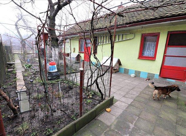 Casa individuala, zona Fabric - imaginea 1