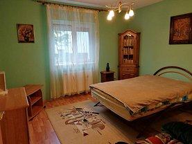 Casa de vânzare sau de închiriat 5 camere, în Dumbrăviţa, zona Nord