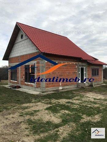 Casa P+M, teren 4256 mp, Poiana Lacului-Arges  -  idealimob.ro - imaginea 1