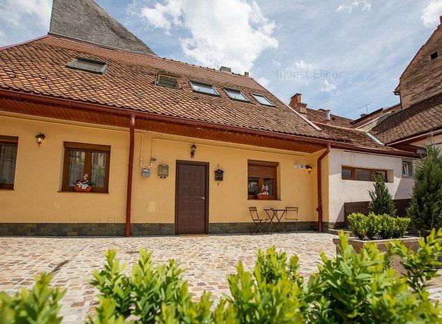 Casa restaurata cu design unic, zona centrul vechi Brasov - imaginea 1