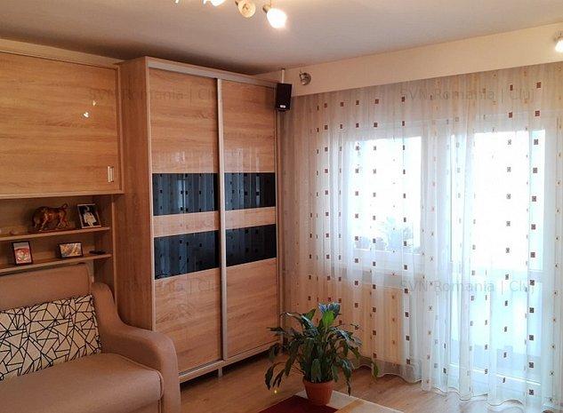Apartament cu 3 camere decomandat str Na: 1