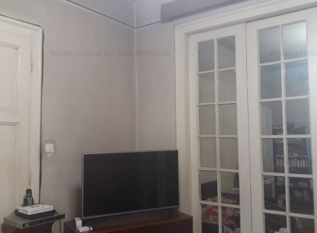 Apartament cu 4 camere la vila Grigoresc: camera