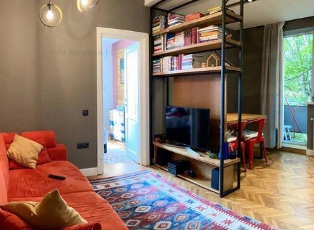 Apartament cu 2 camere centru: living