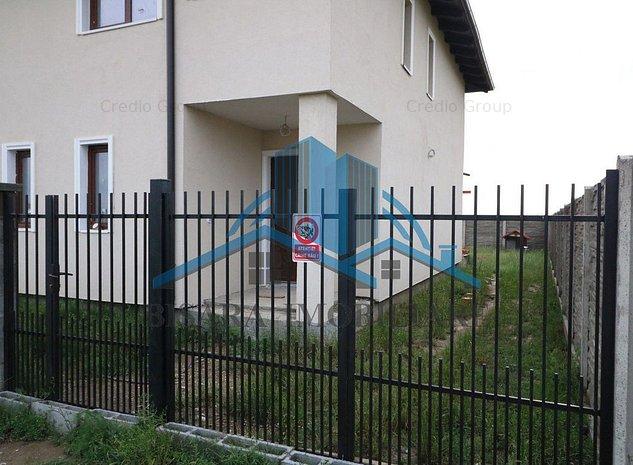 Giroc - Sat Batran, 1/2 duplex, zona noua de case. - imaginea 1