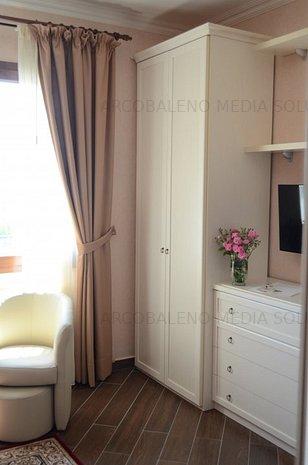 Apartament la malul marii, integral mobilat, design italian - imaginea 1