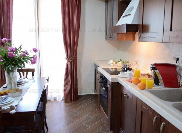 Apartament 3 camere pe malul marii, 95mp, mobilat si utilat lux - imaginea 1