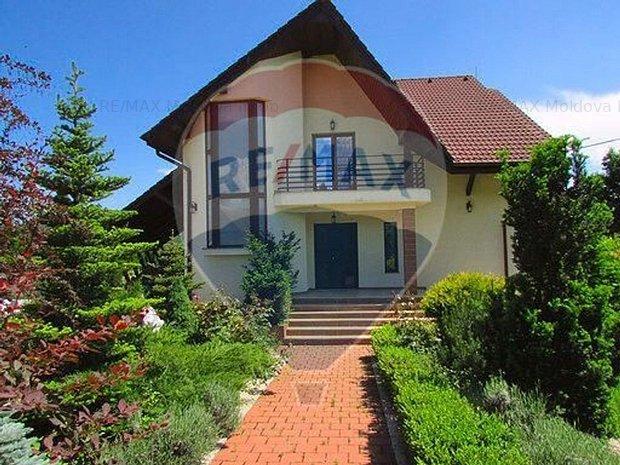 Casa / Vila in Darmanesti langa padure - imaginea 1