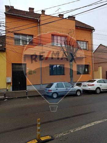 De vanzare apartament 2 camere,zona centrala, Comision 0% - imaginea 1