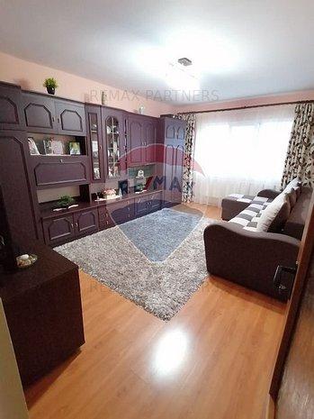 De vanzare apartament 2 camere decomandate, Intre Lacuri - imaginea 1