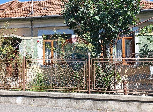 Casa cu 4 camere de vanzare in zona Gruia/Belvedere - imaginea 1