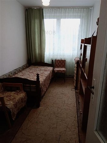 Apartament 3 camere, decomandat, etaj intermediar, zona Opera Maghiara - imaginea 1