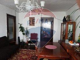 Apartament de vânzare 4 camere, în Suceava, zona Central