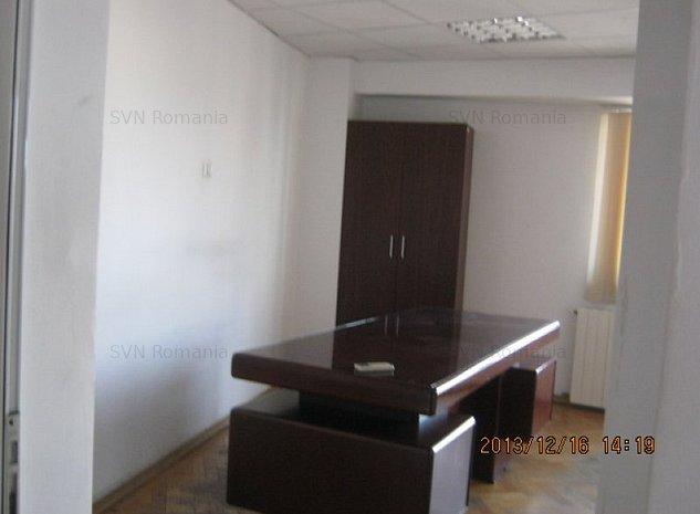 Spatiu comercial: birou