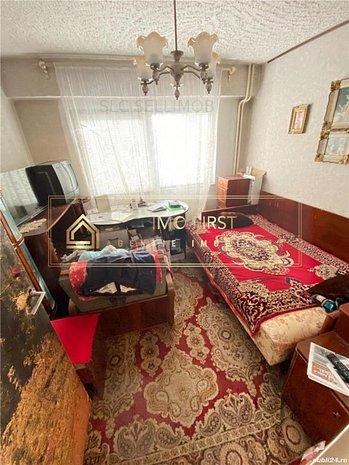 Vand apartament 3 camere Dacia - imaginea 1
