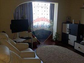 Apartament de vânzare 3 camere, în Călimăneşti, zona Central