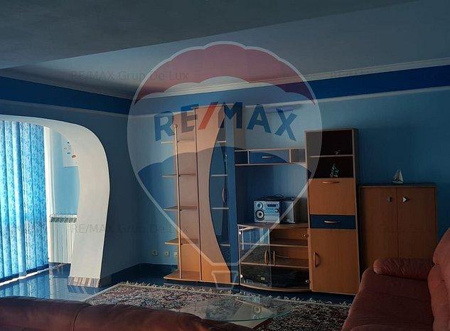 Apartament 2 camere ULTRACENTRAL etaj 3/4 - imaginea 1