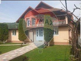 Casa de vânzare 7 camere, în Călimăneşti, zona Est
