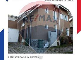 Casa de vânzare 5 camere, în Râmnicu Vâlcea, zona Lenin Sud