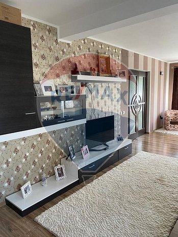 Casa / Vila cu 5 camere de vanzare in zona Morilor - imaginea 1