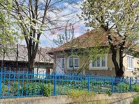 Casa de vânzare 3 camere, în Groşi
