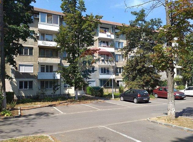 Apartament de vanzare cu 3 camere Rogerius - imaginea 1
