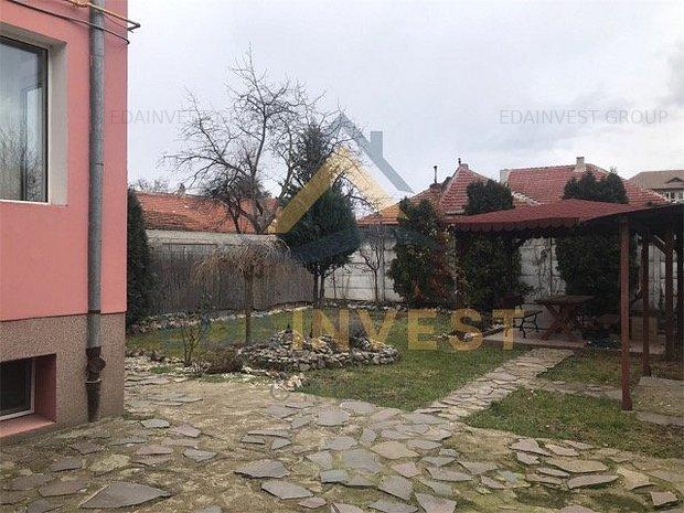 Casa singur in curte, ultracentral - imaginea 1