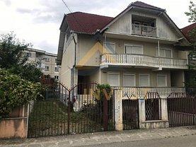Casa de vânzare 9 camere, în Sanmartin