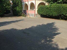 Casa 10 camere în Adunatii-Copaceni