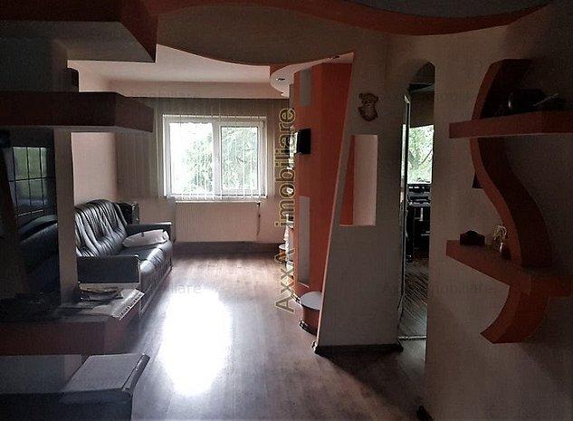 Apartament 4 camere si garaj - imaginea 1
