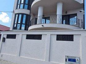 Casa de vânzare 8 camere, în Constanţa, zona Universitate