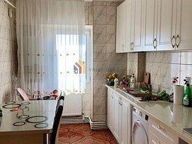 Apartament de vânzare 3 camere, în Iaşi, zona Frumoasa