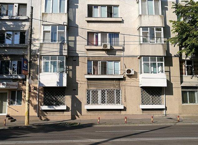 Apartament 3 camere parter stradal zona Ultracentrala - imaginea 1