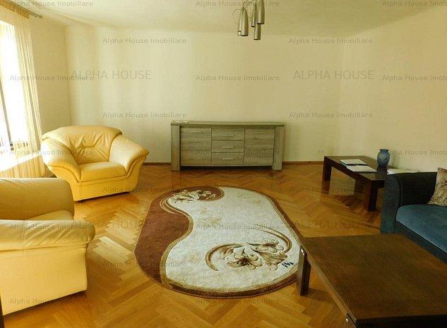 Apartament 3 camere decomandate etaj 1 zona Centrala - imaginea 1