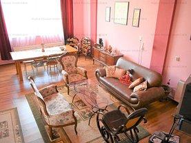 Casa de vânzare 11 camere, în Rasinari