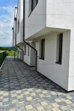 Casa 3 camere+ 65mp curte +2 locuri de parcare, zona Selimbar - imaginea 1