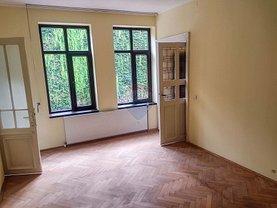 Casa de închiriat 3 camere, în Bucureşti, zona Unirii