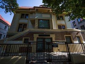 Casa de vânzare sau de închiriat 13 camere, în Bucureşti, zona Dorobanţi